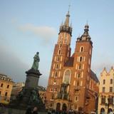 De torens van de Mariakerk in Krakau.